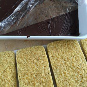 Etape 3 : alternez ganache et biscuit