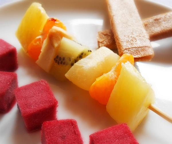 Brochette de fruits à L'Omnicuiseur