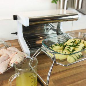 Étape 1 : préparez les pommes de terre et le laurier