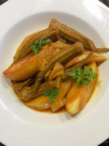 tajine-gombos-pommes-de-terre-omnicuiseur