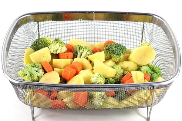 Des légumes cuits à la vapeur docue