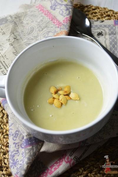Une soupe à l'artichaut à L'Omnicuiseur