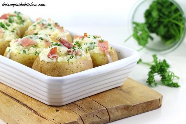 des pommes de terre farcies à la vapeur