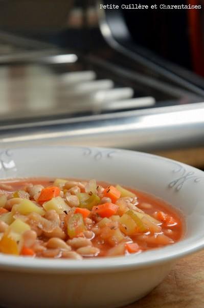 Une soupe à l'italienne à la vapeur douce