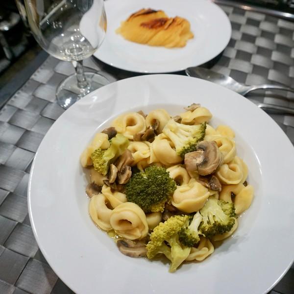 Un plat combiné végétarien à l'omnicuiseur