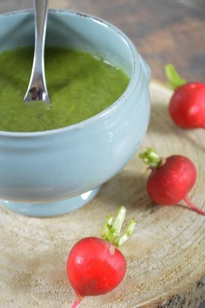 La soupe de fanes de radis au lait de coco