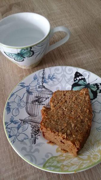 Un cake à la pulpe de carotte sans levure, ni lactose, ni gluten à l'omnicuiseur