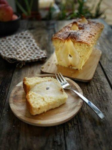 La recette d'un cake aux poires à l'omnicuiseur