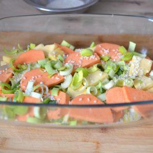 On prépare les légumes et on met tout dans la cocotte