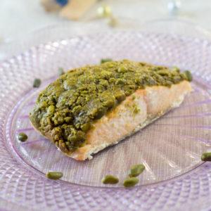Un saumon en croûte de pistache
