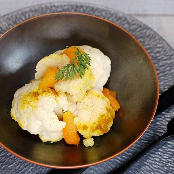 Un curry de chou-fleur à l'omnicuiseur