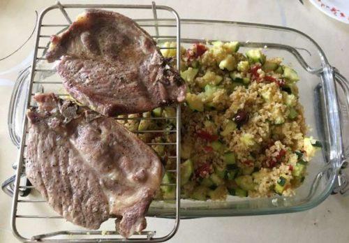 Cotes de porc et légumes à l'omnicuiseur