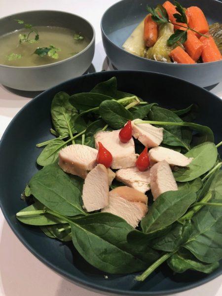 Des légumes et du poulet à la cuisson basse température
