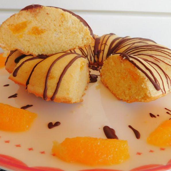 Un gâteau aux fruits
