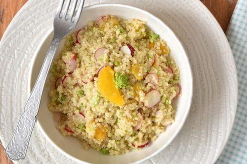 Une salade de quinoa à L'Omnicuiseur