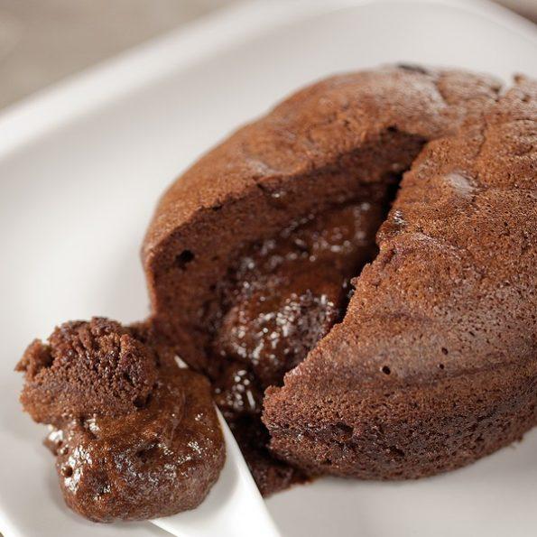 Un dessert au chocolat à la vapeur