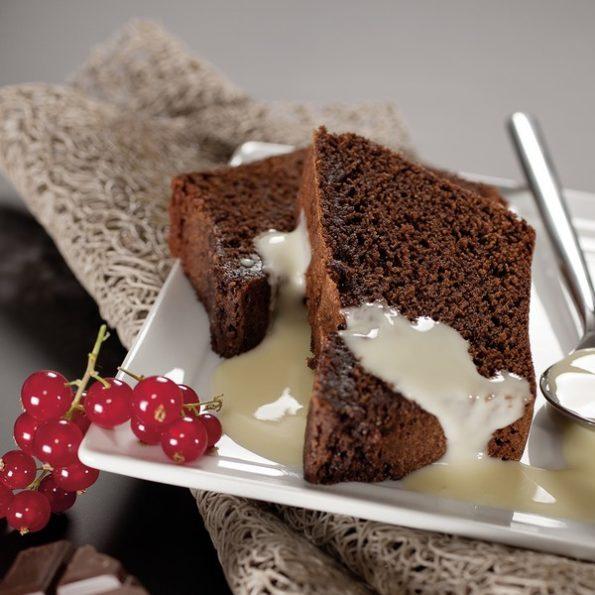 Un gâteau au chocolat à l'omnicuiseur